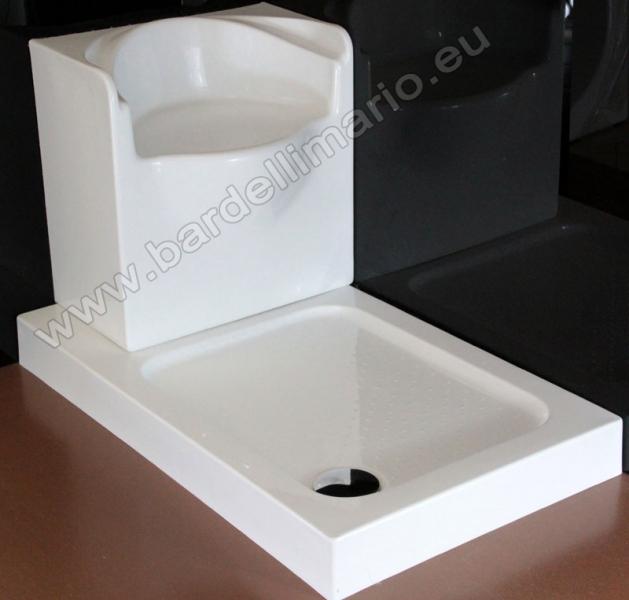 Pulizia Vasche Da Bagno In Vetroresina: Vasca in vetroresina con finiture cromo ellade. Palumbo ...
